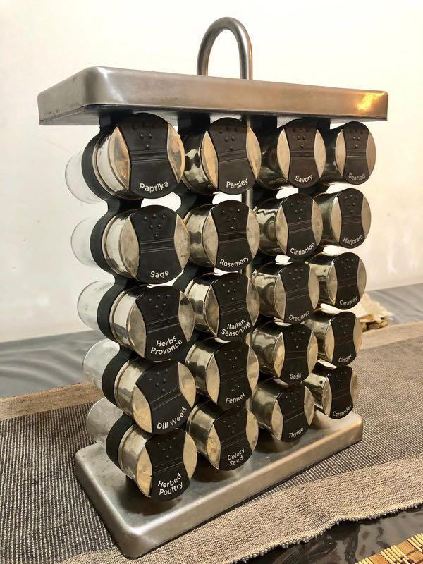 Spice rack in good condition
