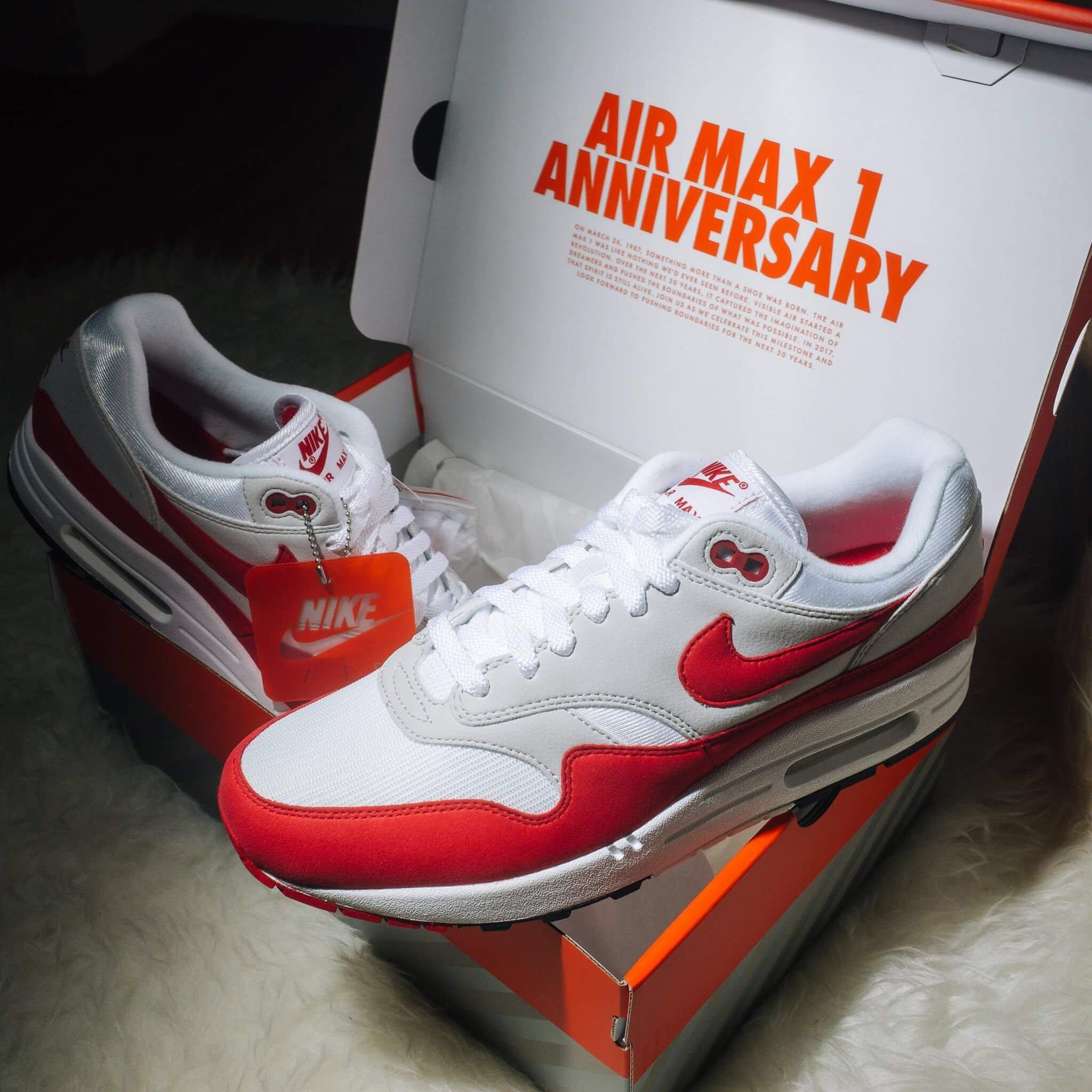 official photos d44c7 3f351 uk8 Nike Airmax 1 OG Red, Men's Fashion, Footwear, Sneakers ...