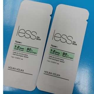sample holika holika less on skin toner