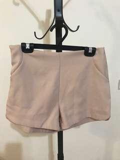 🚚 裸粉色西裝材質短褲