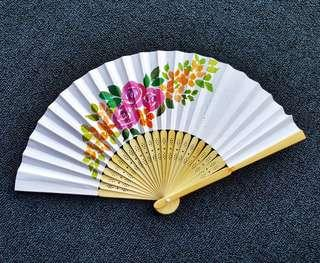 🚚 Handpainted Paper Fans as Gifts