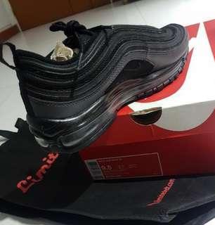 5eb576e7c84 Nike Air Max 97 Triple Black EU 43
