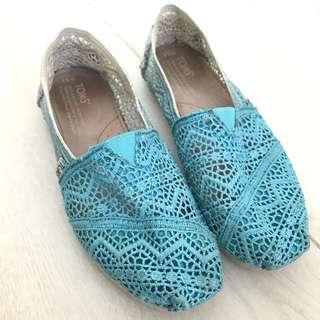 TOMS Lace Shoes