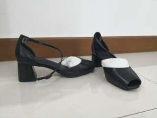 Black Thick Chunky Strappy Heels Size 38 PU Leather