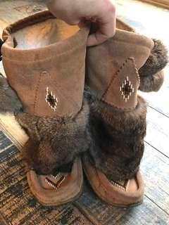 Mukluks/moccasin boots, size 7