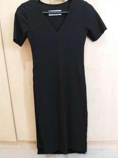 Knitted Black Dress with side slit