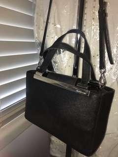 MICHAEL KORS Black calf skin leather tote/cross-body bag