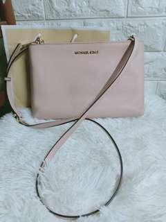 authentic mk reversble sling pink and vanilla not coach,ks,lacoste ,dkny