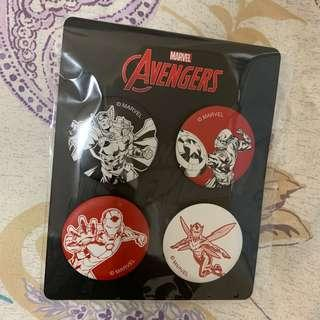 Marvel avengers x lee 限量版 襟章 thor iron man captain american 雷神奇俠 鋼鐵奇俠 美國隊長 黃蜂女 badge