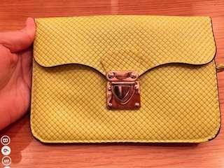 🚚 Bright lime sling bag (preloved)