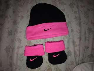0-3 months Nike bundle