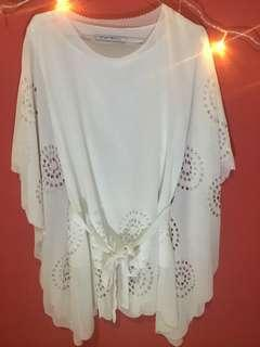 Blouse batwing broken white brand Chic Simple