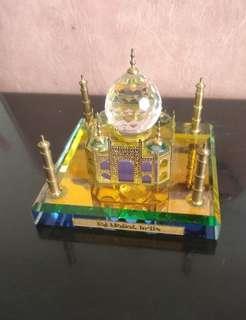 🚚 Crystal Taj Mahal showpiece