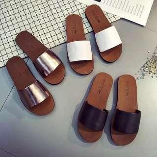 🚚 FREE MAIL BN Broad Strap Flat Low Sandals Bronze Gold Shiny Glitter
