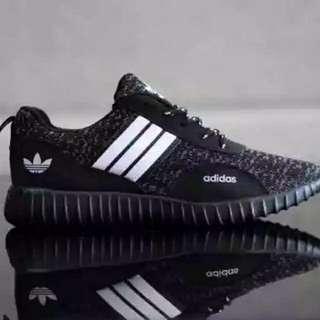 Sepatu adidas boots hitam