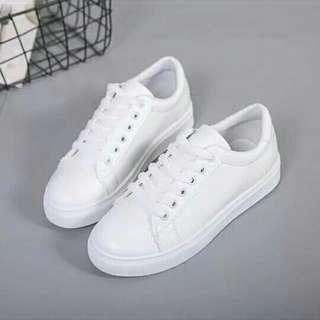 Korean shoes (white)