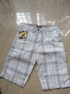 🚚 Goodwin Bermuda Shorts Size 32 Brand New