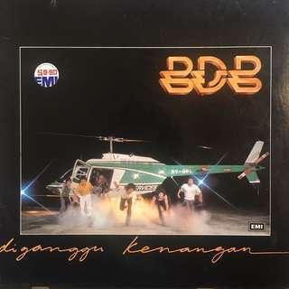 BLACK DOG BONE DIGANGGU KENANGAN LP