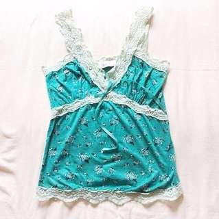 🚩RM 15🚩 [Blook] Floral Print Tank In Green With Lace Detailing.