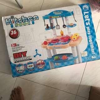 Kitchen cooking set