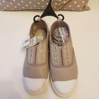 全新 SPAO 鞋