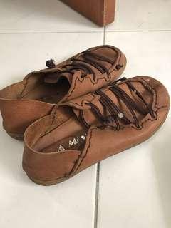 🚚 咖啡女性豆豆鞋