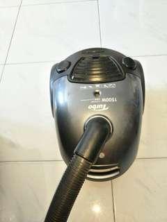LG Turbo 1500W compact vacuum cleaner