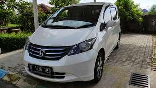 Honda freed PSD tahun 2011AT Istimewa