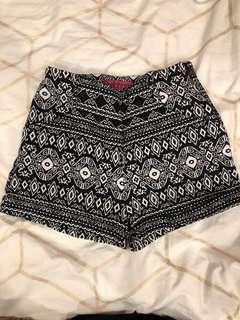 Boohoo - Patterned Shorts