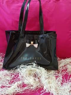 28651fda5f4b0 Ted baker · Ted baker. S 30. Handbags
