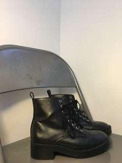 H&M tie boots