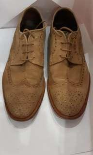 genuine made in Spain MAGNANNI suede wingtip shoes