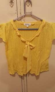 Dita knitted yellow blouse