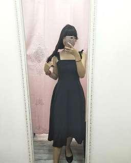 🚚 Ruffled Strap Black Prom Dress 💕