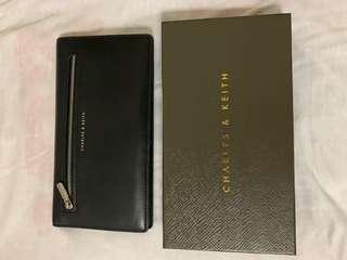 🚚 Charles & Keith Long Wallet