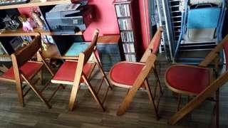 Vintage wooden foldable chair