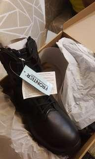 🚚 Frontier Boots  US 8. Free Delivery. Offer me your price