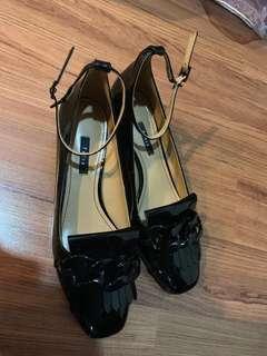 Pedro chunky chain heel
