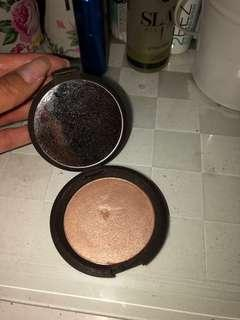 Becca pressed shimmery skin perfector : opal