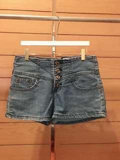 🚚 三釦高腰牛仔褲