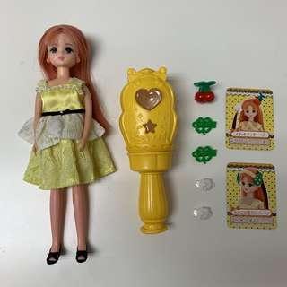 🚚 日本正版Takara Tomy Licca莉卡娃娃之繽紛變髮組合-小櫻娃娃 附莉卡娃娃一隻和完整配件