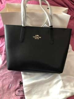 🚚 Brand New Coach Shopping Tote