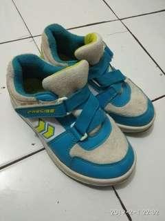 Sepatu tk cwok