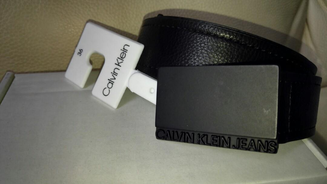 全新 Calvin Klein 黑扣皮帶