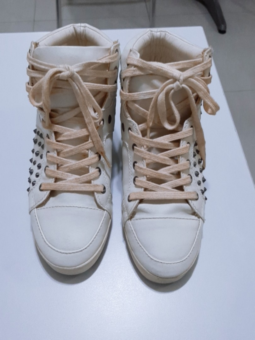 7f9b693196 ALDO Highcut Shoes, Women's Fashion, Shoes on Carousell
