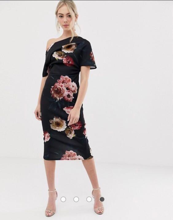 bd7ef88d8b5 ASOS DESIGN pleated shoulder pencil dress in smokey floral in black ...