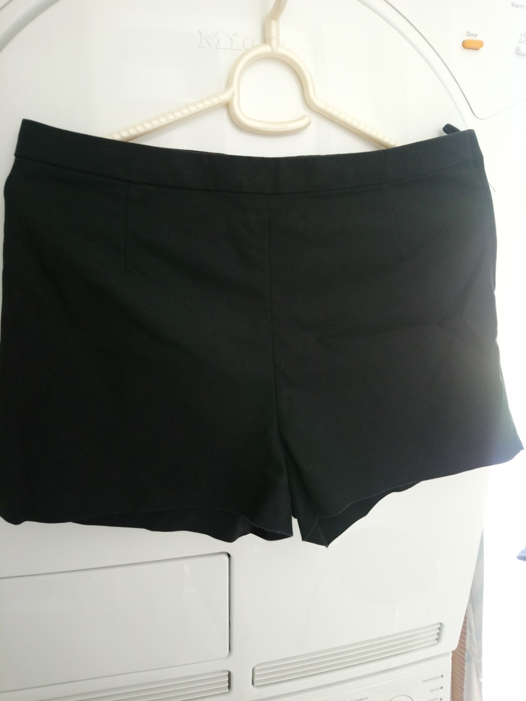 BNWT New Look Black /& White Stripe Tie High Waist Shorts UK 10 EU 38 Casual