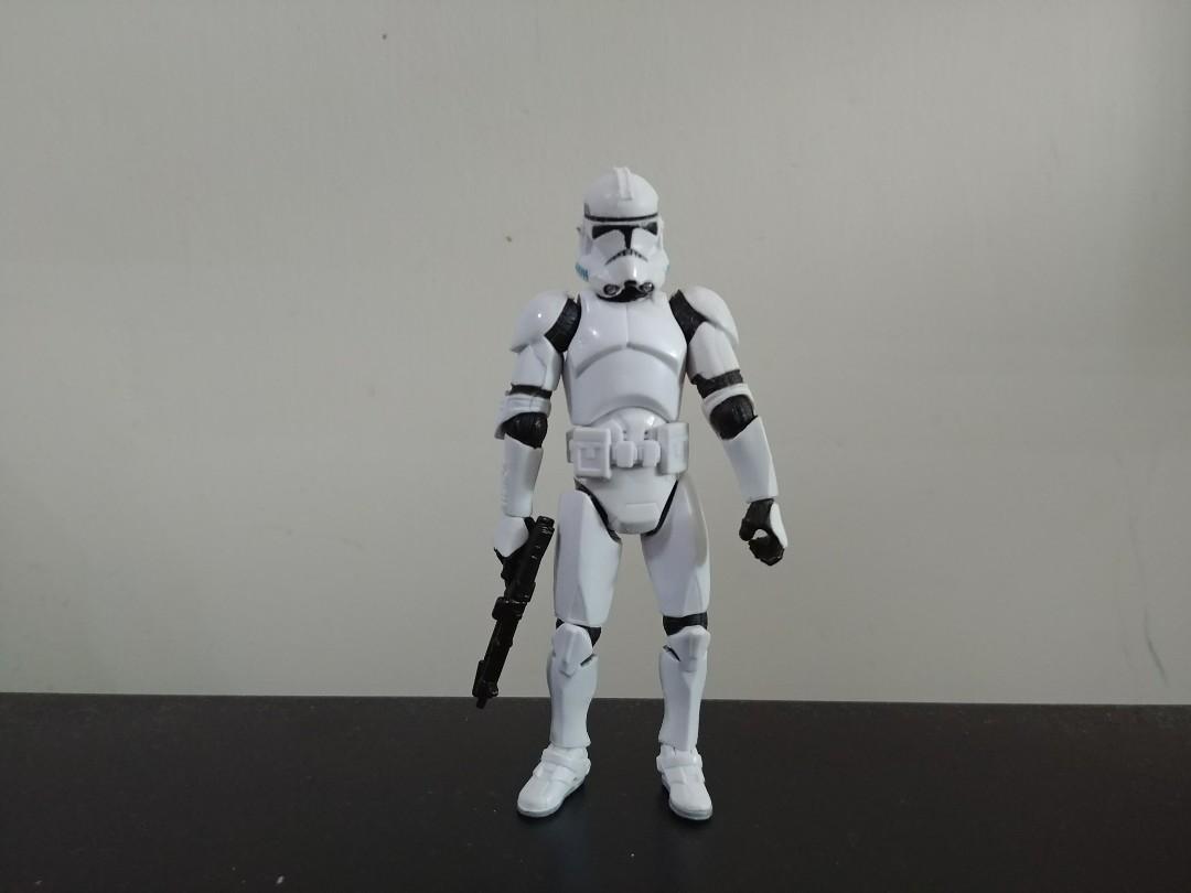 Hasbro Star Wars 3.75 Clone Trooper (pure white version)