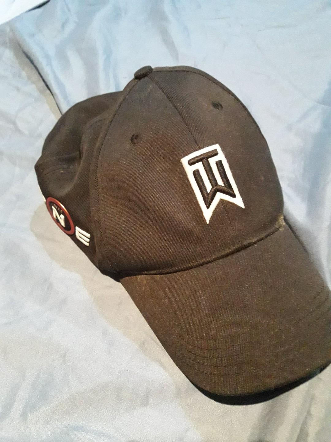 3220c3288 Nike tiger woods cap on Carousell