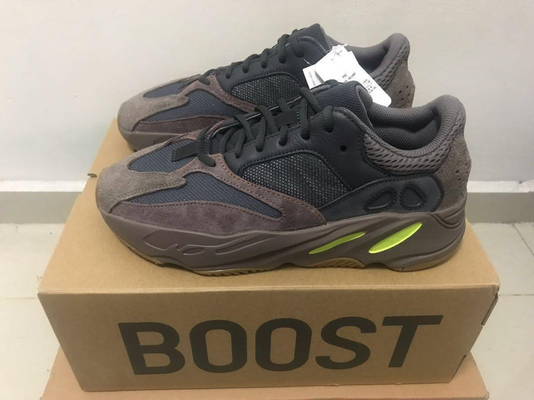 half off ae734 ba644 Sale*New Yeezy 700 Mauve, Men's Fashion, Footwear, Sneakers ...